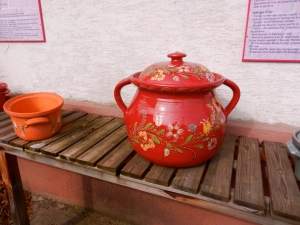 I love the reds and decorative painting of the Soufflenheim potters