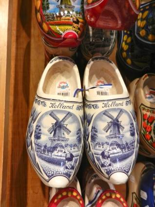 Delft Blue clogs