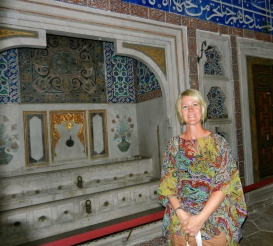 Admiring the fountain of youth, Topkapi Palace