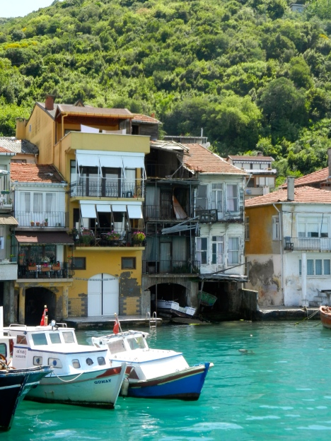 rickety houses on the shores of the Bosphorus