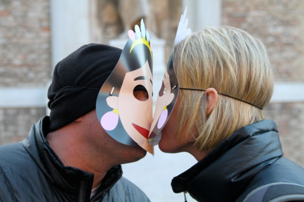 masked kiss