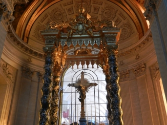 Outrageously decadent chapel for Napoleon and his Army soldiers