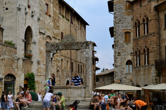 The panoramic view from this old piazza reminded us of Verona.  Here is the old well (cistern) in the center.