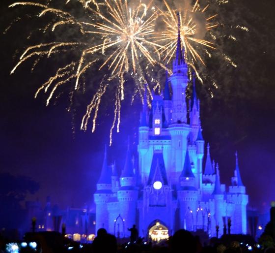 cinderella-castle-firework-blue