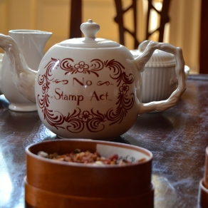 Love this ceremonial tea pot and tea leaves