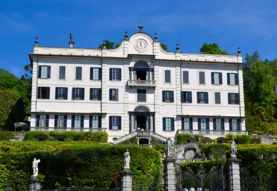 Living in high style on Lake Como