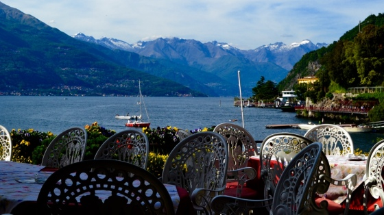 Dining al fresco, Lake Como